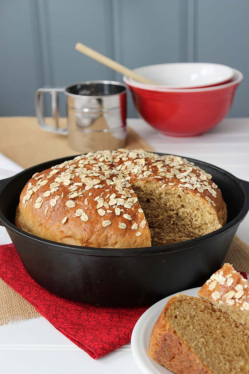 Oatmeal Casserole Bread Video This Rustic No Knead Loaf Is Slightly Sweet Thanks To A Touch Of Mol And Oatmeal Gives It A Nice Chewy Texture