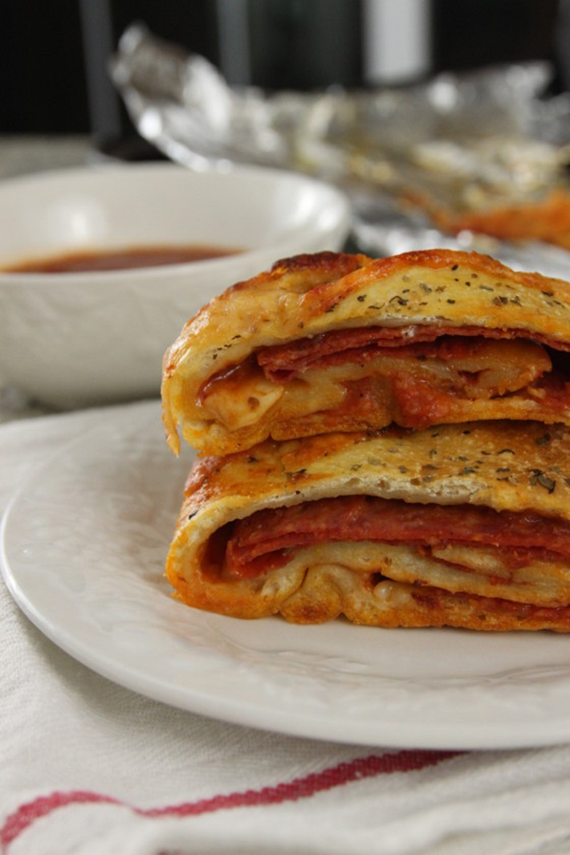 recipe: easy pepperoni stromboli recipe [7]