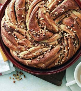 Cinnamon Bun Loaf | This elegant bread crosses the flavor of a cinnamon roll with that of a sticky bun. Find recipe at redstaryeast.com.