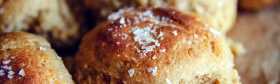 Slow Cooker Whole Wheat Dinner Rolls