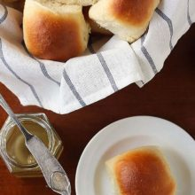 Good Old American White Rolls | Rich and delicious rolls to accompany your next meal. Find recipe at redstaryeast.com.