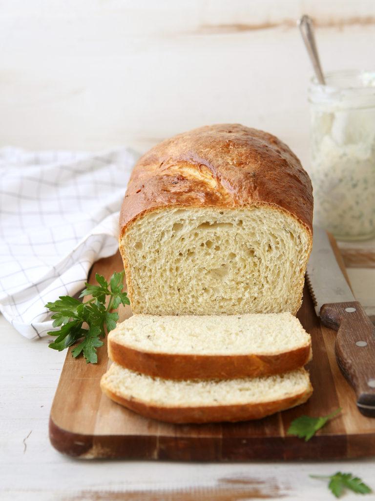 Buttermilk Ranch Sandwich Bread | Light and tender sandwich bread flavored with buttermilk and fresh herbs. Find recipe at redstaryeast.com.