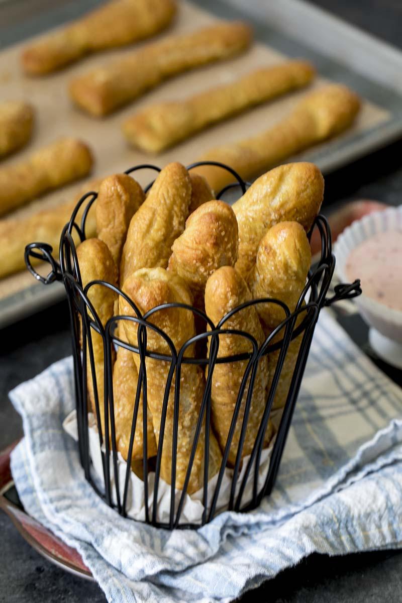 Sweet Pretzel Sticks With Strawberry Cream Cheese Dip