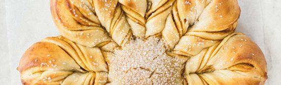 Pumpkin Star Bread